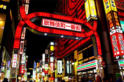 日本最大の歓楽街で遊ぶ!歌舞伎町のキャバクラの特徴
